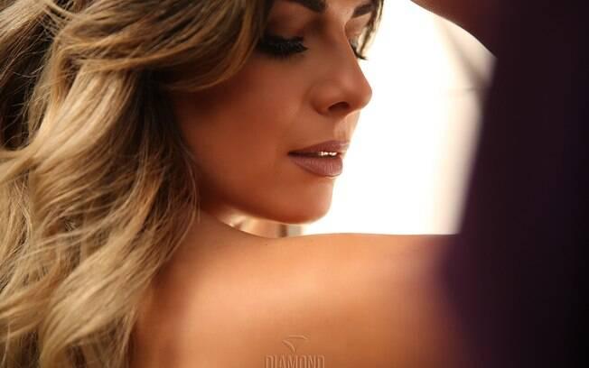 Vanessa Perez, uma das candidatas do Musa do Brasil, esbanja sensualidade em ensaio exclusivo para a Diamond Brazil. Foto: Davi Borges / M2 Mídia