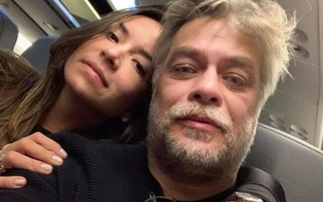 Fabio Assunção e a namorada
