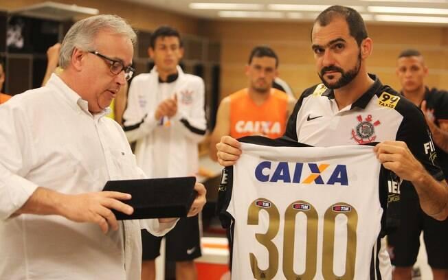 Danilo completou mais de 300 jogos pelo Corinthians e fez história no clube