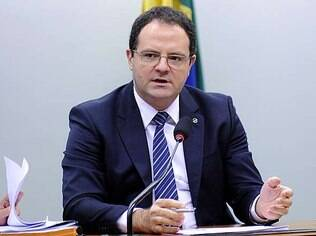 Governo luta para alcançar nova meta fiscal