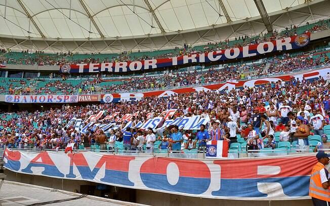 Torcida do Bahia, mandante da partida, será maioria no clássico contra o Vitória
