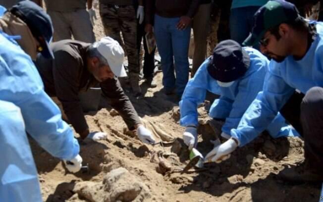 As escavações só começaram agora porque Tirkit estava na mão do 'Estado Islâmico'
