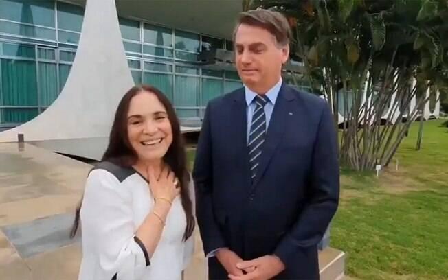 Regina Duarte deixa definitivamente a Secretaria da Cultura