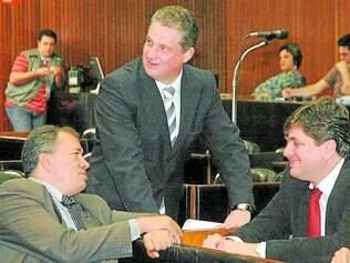 Consenso. Paulo Guedes (esquerda) e Adalclever Lopes (em pé) chegaram a acordo para a presidência