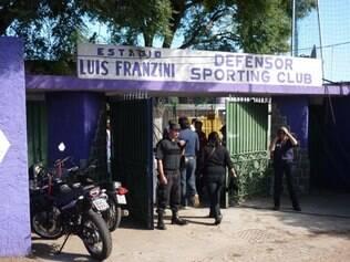 Acanhado, estádio Luis Franzini, casa do Defensor, tem capacidade para 18 mil pessoas, mas costuma ser liberado para 16 mil torcedores