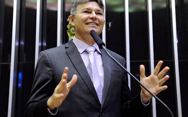 José Medeiros chamou David Miranda de