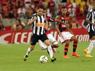 Josué foi o responsável direto pelo segundo gol do Fla, no Maracanã