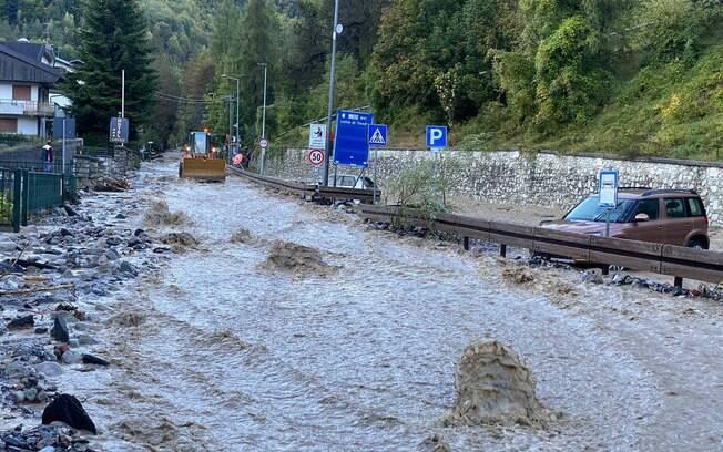 Tempestade Alex atingiu a França e a Itália.