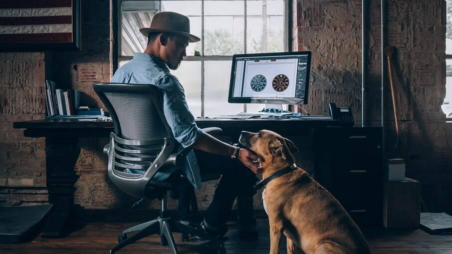 Dados inéditos revelam que 55% dos entrevistados afirmaram que ter um pet foi um suporte emocional; 17% adotaram animais durante o período