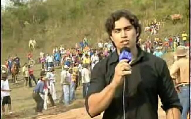 Em 2006, o repórter Thiago Zogbi levou um grande susto durante a cobertura da Corrida das Mulas, no interior de São Paulo