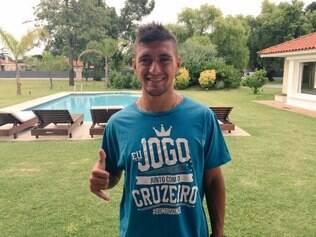 Giorgian De Arrascaeta chega ao Cruzeiro com a missão de substituir o meia-atacante Ricardo Goulart, vendido ao futebol da China
