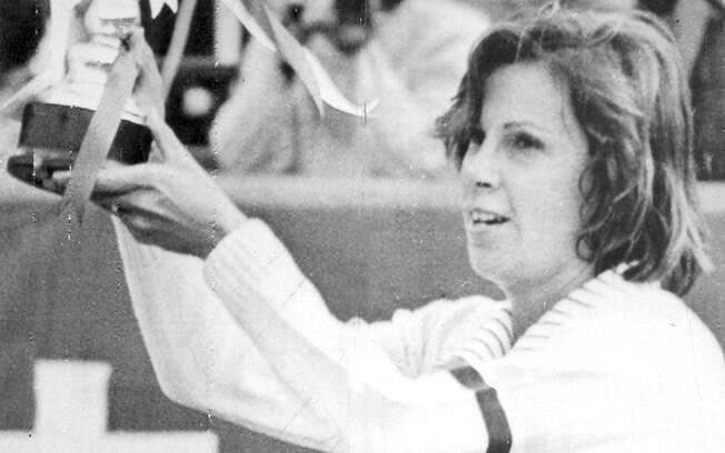 Maria Esther Bueno venceu 19 das 34 finais de  Grand Slam que disputou, sendo sete em chaves de  simples. Conquistou 600 títulos em 21 anos de  carreira