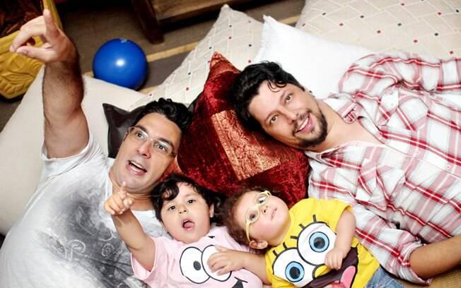 A família Nunes se diverte em sua casa na Zona Sul de São Paulo