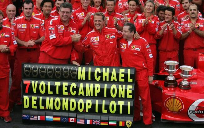 Em 2004, o piloto conquistou seu sétimo e último título mundial. Foto: Getty Images
