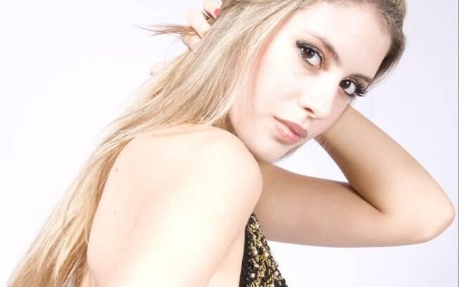 Bruna Luperini, estudante de 20 anos, é Miss Araras 2011