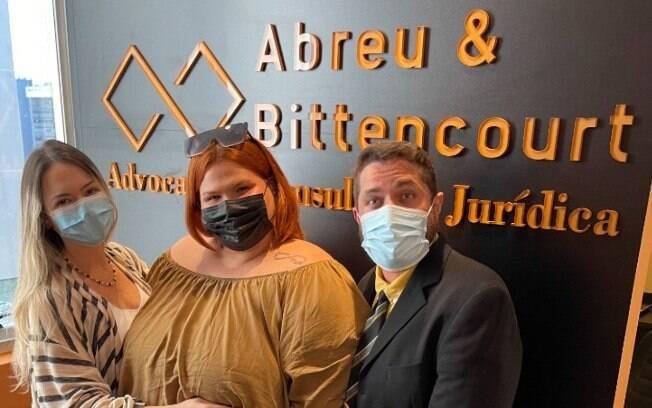 Thais Carla e advogados, Janaína Abreu e Ives Bittencourt