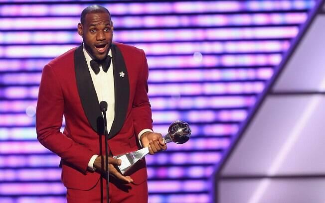 LeBron James produzirá concurso para eleger o atleta mais bem vestido da NBA