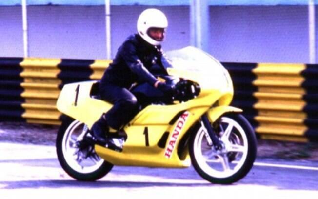 A Honda CB 400 brilhou nas ruas e nas pistas, com a Fórmula CB 400