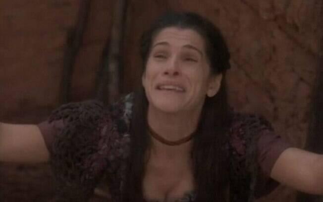Jacinto acredita que Elvira perdeu a memória