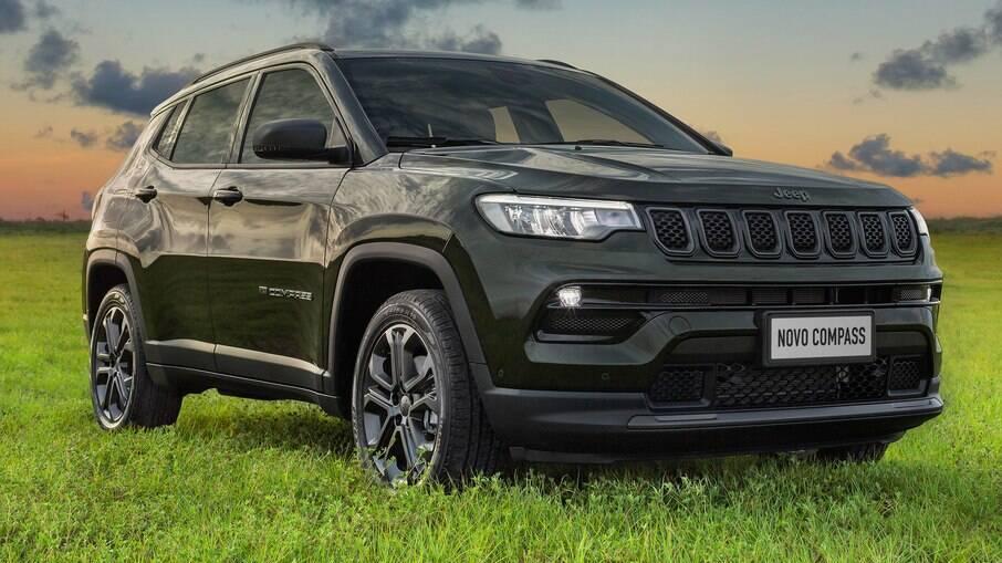 Jeep Compass 2022 é o ícone a ser batido entre os SUVs médios