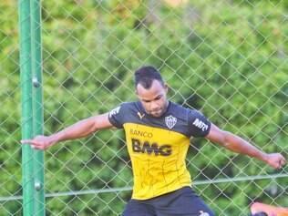 Cruzamento. Treinador atleticano intensificou os treinamentos do fundamento para voltar a marcar gols com as bolas alçadas na área