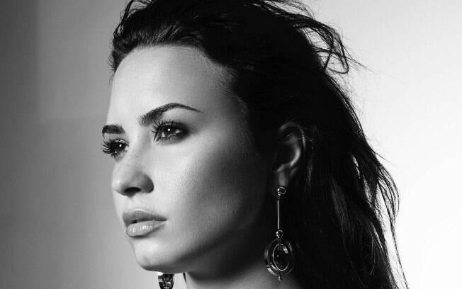 A cantora Demi Lovato é uma das celebridades envolvidas com drogas, e teve uma overdose de heroína recentemente