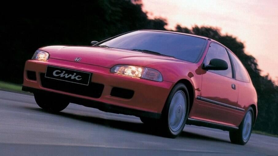 Honda Civic VTi hatch vem motor 1.6 com comando de três ressaltos e 160 cavalos de potência