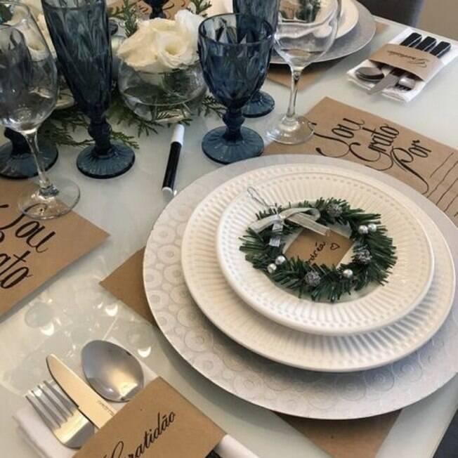 A gratidão foi o tema da mesa posta montada pela Andrea do @almoçodesexta