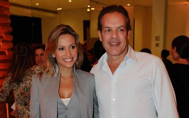 Luisa Mell e o noivo Gilberto Zaborowsky numa pré-estreia de cinema em agosto