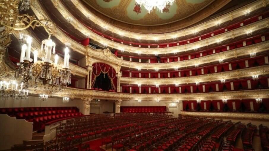 O Teatro Bolshoi, na Rússia, vazio após ter fechado as portas durante a pandemia da Covid-19