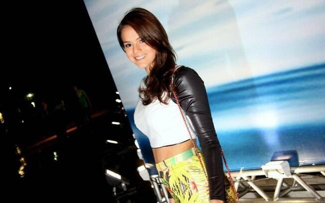 Bruna Marquezine no segundo dia de  Fashion Rio 2013 no Pier Maua RJ