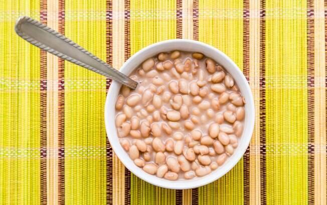Aprenda uma receita de feijão carioca vegano e coloque em prática no cotidiano. O passo a passo é do chef Felipe Pinelli