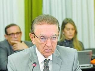 Ministro de Minas e Energia disse que pode entregar o cargo hoje