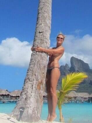 Heidi Klum em foto recente de topless em Bora Bora, na Polinésia