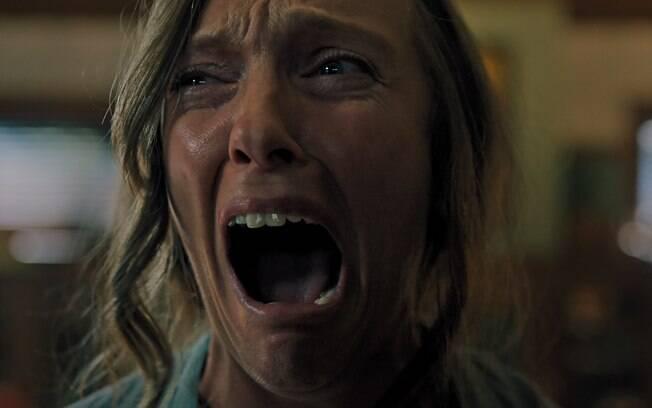 Toni Collette em cena de Hereditário