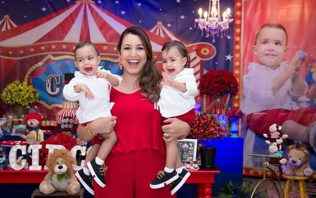 Luciana Krull e os filhos gêmeos