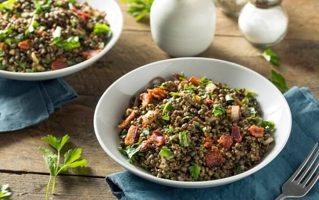 A salada de lentilha é um clássico que deve ser feito na ceia