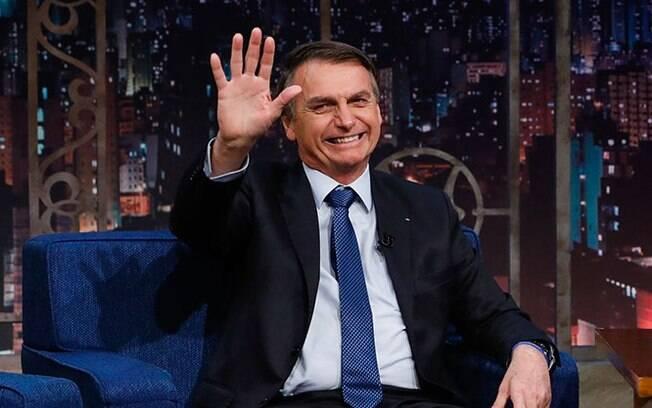 Equipe presidencial de Jair Bolsonaro chegou a considerar o fim do benefício do cartão corporativo