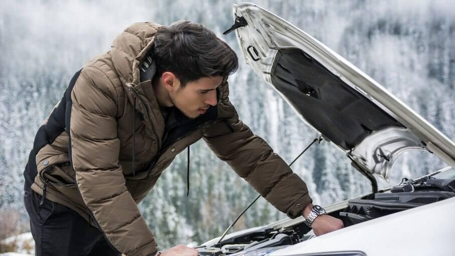 Carro no inverno exige mais cuidados como a bateria, que acaba sendo mais exigida para dar a partida