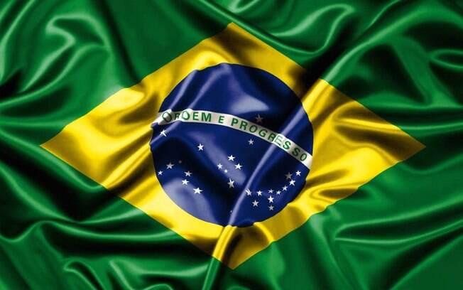 As cores da Bandeira do Brasil são verde, amarelo e azul, e nossas estrelas são brancas