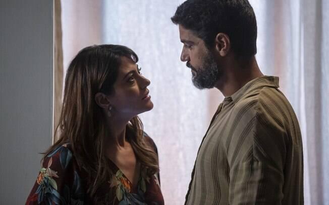 Helena (Carol Castro) e Hussein (Bruno Cabrerizo)