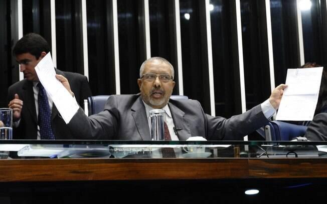Paulo Paim, senador petista, promete pressionar o governo pela mudança na política econômica