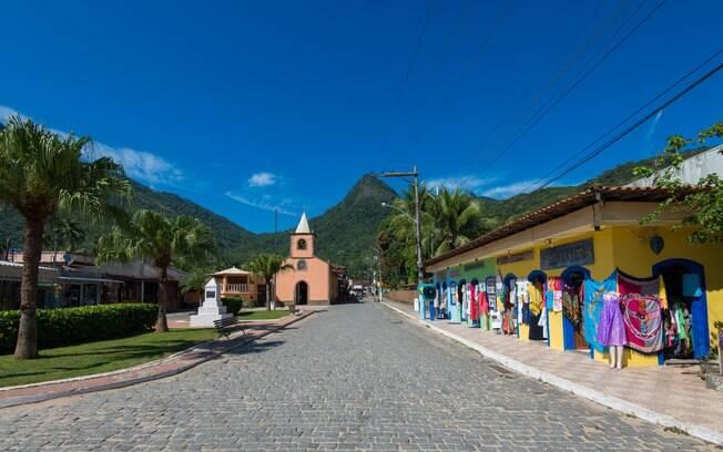 A Vila do Abraão é o principal assentamento local, e traz muita história para quem procura o que fazer em Ilha Grande