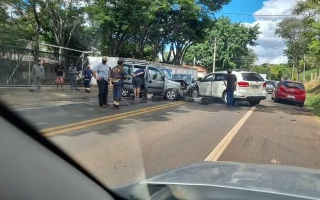 Motorista sofre mal subido e causa acidente com três carros em Campinas
