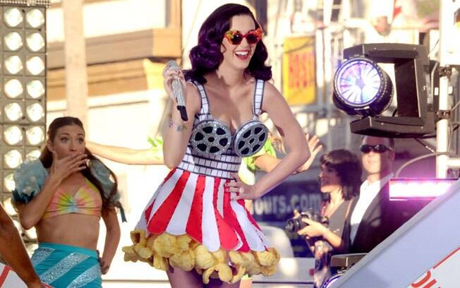 Katy Perry e seu vestido de pipoca