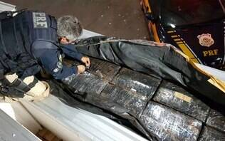 PRF apreende quatro toneladas de maconha que iriam para a zona norte do Rio