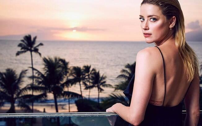 Amber Heard é criticada por publicação racista