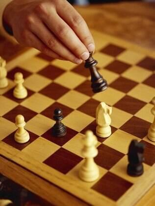 Pesquisadores estudam como a prática afeta o desempenho dos jogadores de xadrez