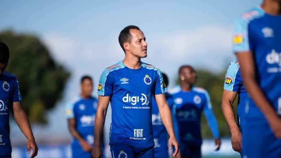 Rodriguinho entra na Justiça contra o Cruzeiro