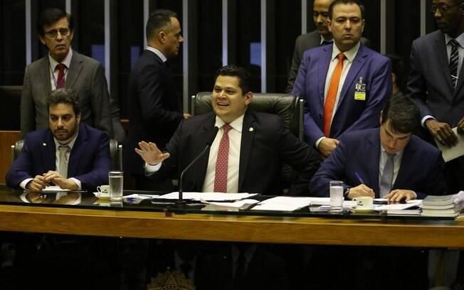 Davi Alcolumbre quer devolver trecho de MP que transferiu demarcação de terras indígenas para Agricultura